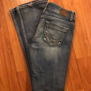 BKE Jeans 28 x 33.5 LONG.